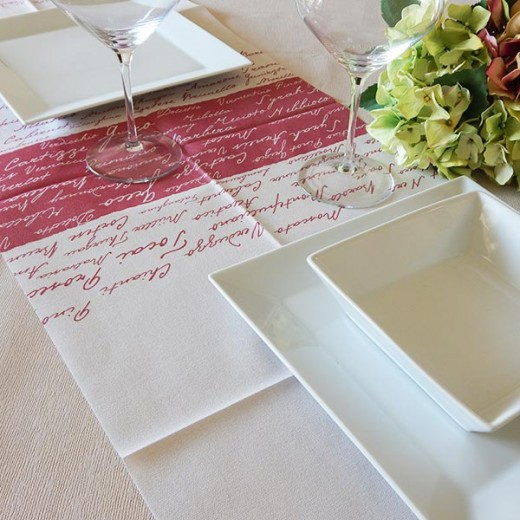 Wine Bordeaux Runner 120x48 (Bordeaux) di www.monochic.it Tovaglie Monouso