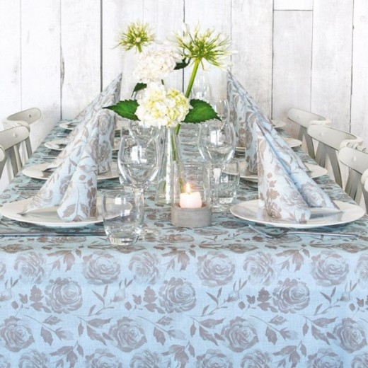 Florence Celeste Table Set Party (Azzurro) di www.monochic.it Tovagliato Monouso