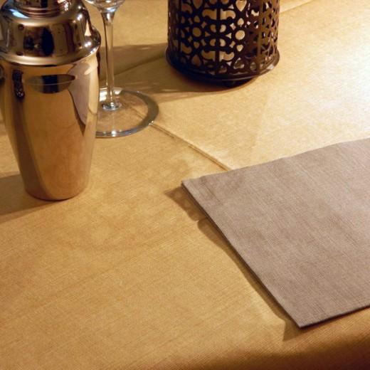 Gaia Arancio Tovaglia 100x100 (Arancio) di www.monochic.it Tovaglie Monouso