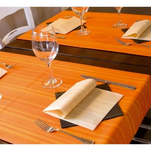 Soul Arancio Tovaglia 100x100 (Arancio) di www.monochic.it Tovaglie Monouso