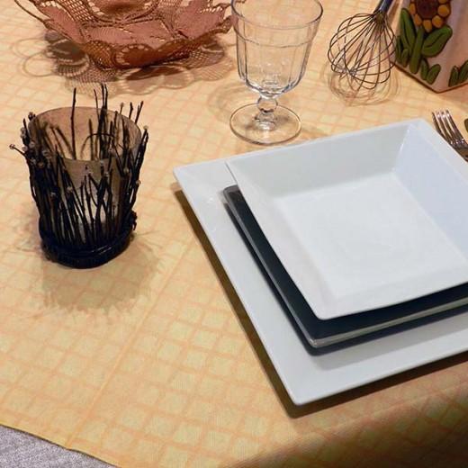 Tablo Giallo Tovaglia 100x100 (Giallo) di www.monochic.it Tovaglie Monouso