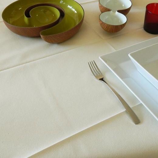 Tinta Unita Caramel Tovaglia 100x100 (Crema) di www.monochic.it Tovaglie Monouso