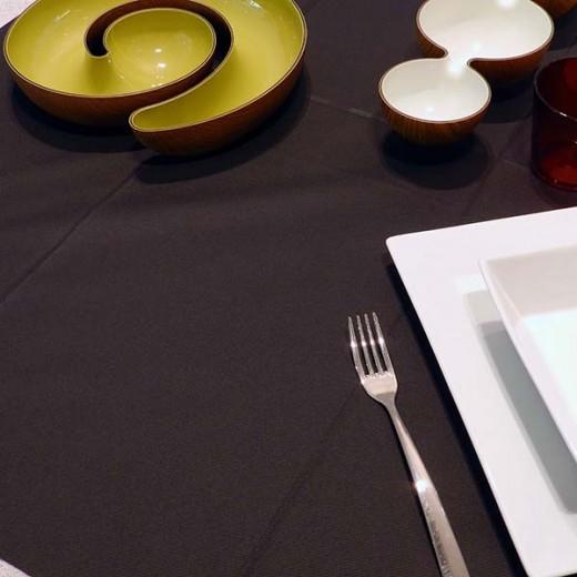 Tinta Unita Nero Tovaglia 120x120 (Halloween) di www.monochic.it Tovaglie Monouso