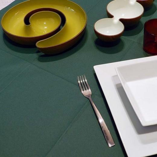 Tinta Unita Verde Tovaglia 100x100 (Verdone) di www.monochic.it Tovaglie Monouso