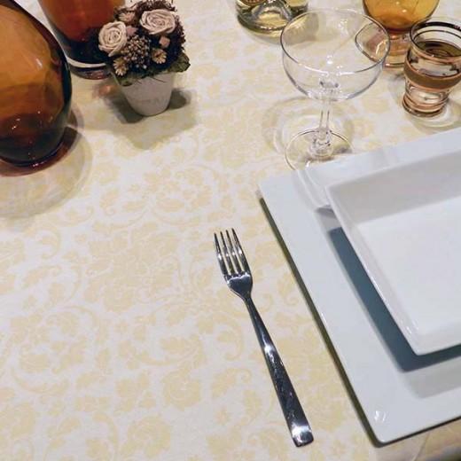 Victoria Avorio Tovaglia 100x100 (Natale) di www.monochic.it Tovaglie Monouso