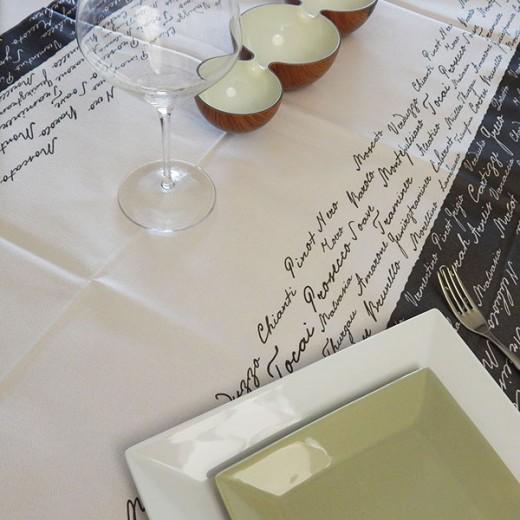 Wine Nero Tovaglia 100x100 (Nero) di www.monochic.it Tovaglie Monouso