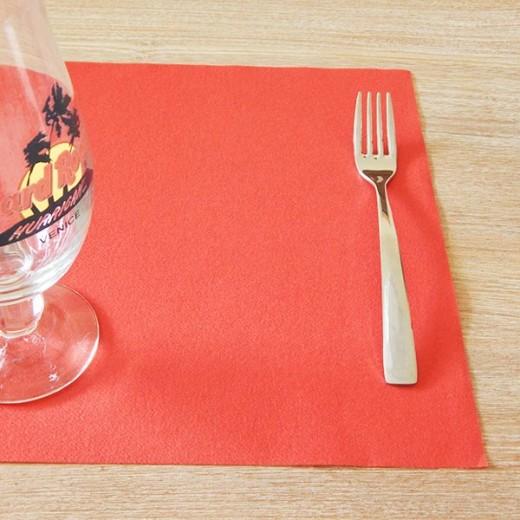 Tinta Unita Rosso Tovaglietta 30x50 (Rosso) di www.monochic.it Tovaglie Monouso